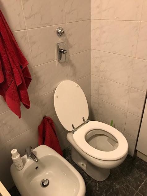 bagno: Lavori di ristrutturazioni com'erano prima