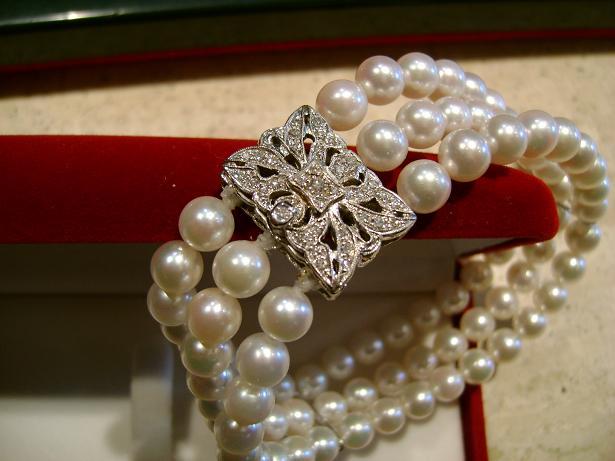 Bracciale con Perle naturali ed oro bianco
