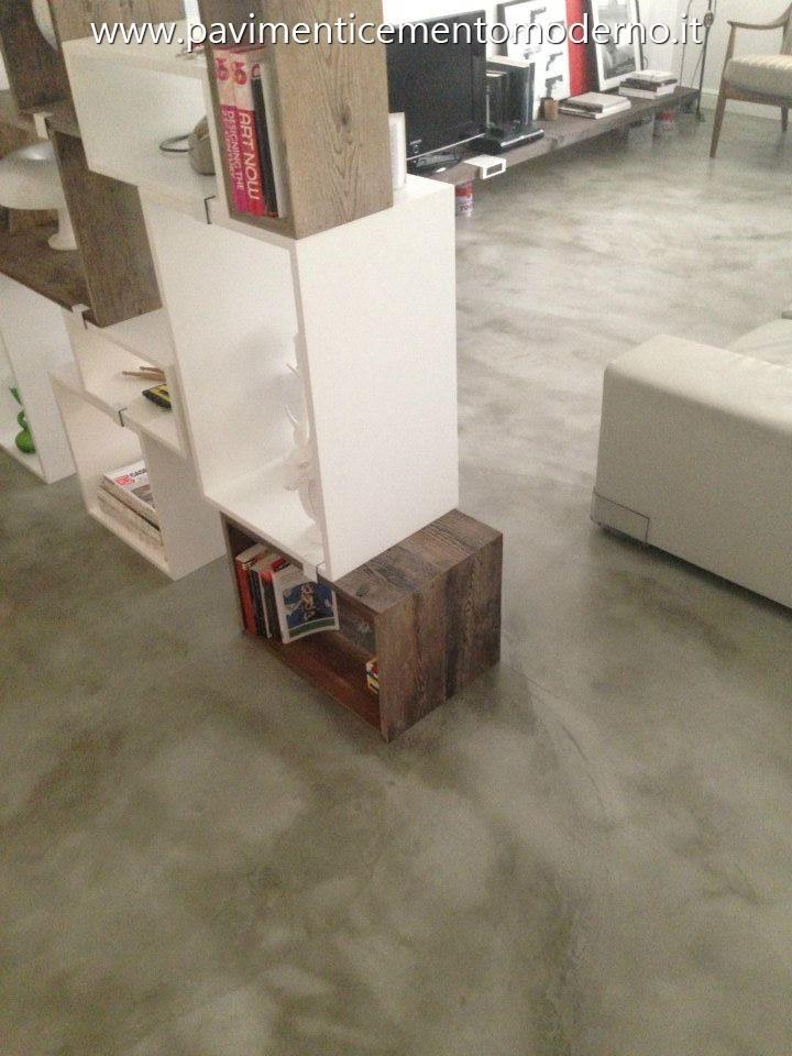 Pavimento In Cemento Spatolato A Mano