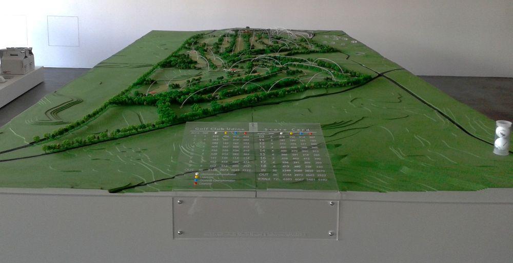 golf course scale model - modello in scala 1:500 di un Golf Club - dimensioni modello: 400 x 200 cm