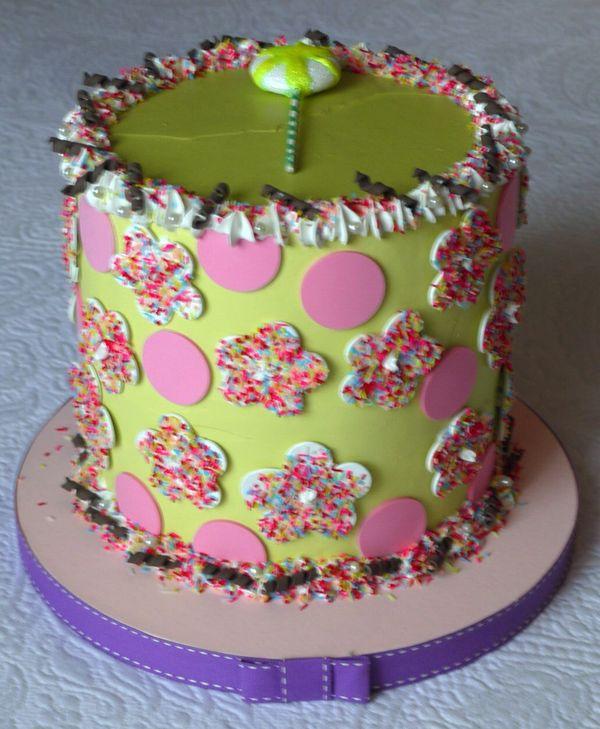 torta verde acido con pois rosa