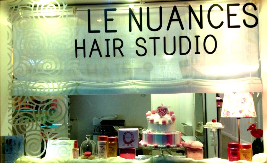 vetrina Le Nuances Hair Studio