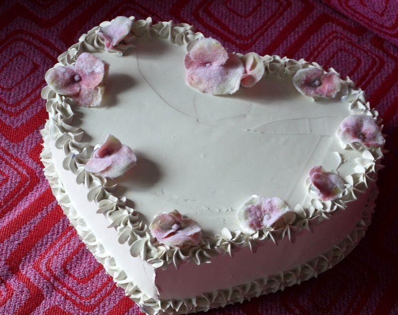 Cuore bianco spatolato con fiori glass�